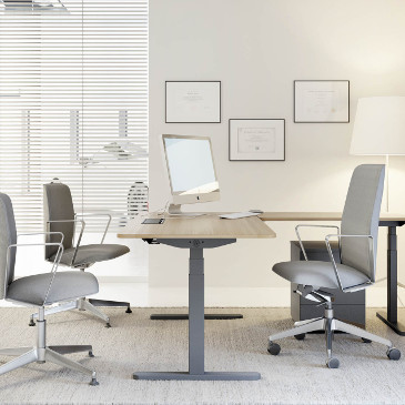 Scala height adjustable desk in executive format