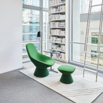 Artifort Pala armchair and pouf green