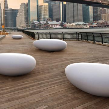 Stone free shape seat
