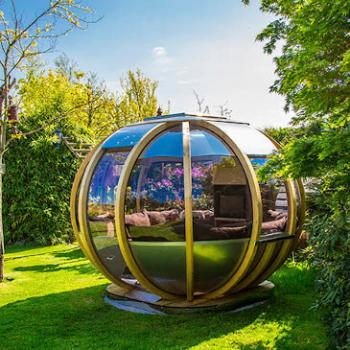 Summer House outdoor pod