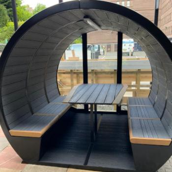 Meeting pod outdoor 6 person glazed at back