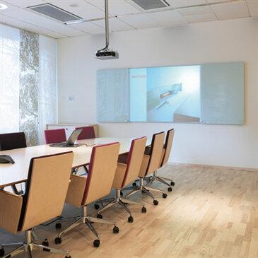 Messenger conference cabinet