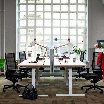 Snitsa height adjustable desks