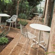 Tonik Cafe Table