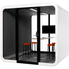 Framery 2Q red stools