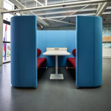 Lande Rondo quatro blue and red four person meeting booth